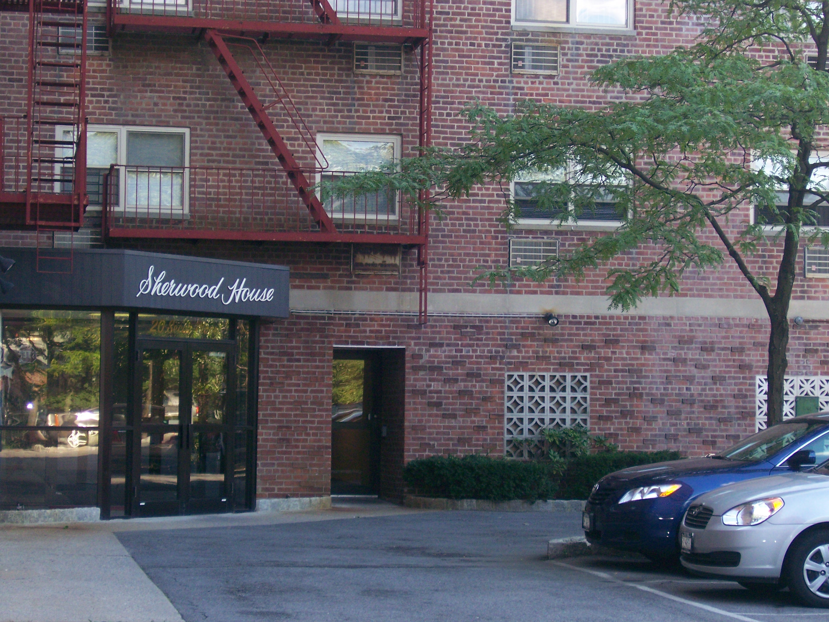 Yonkers coop and condos yonkers real estate for 4 glen terrace glenville ny
